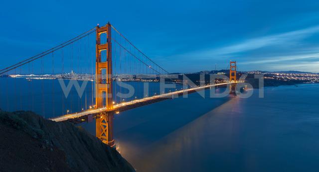 USA, California, San Francisco, Golden Gate Bridge at night - MKFF00344