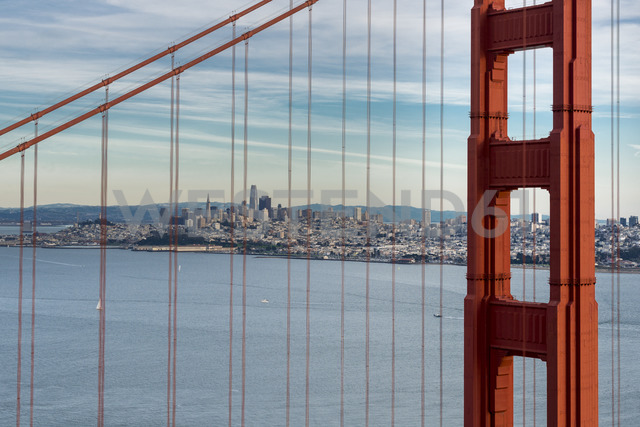 USA, California, San Francisco, Golden Gate Bridge - MKFF00347