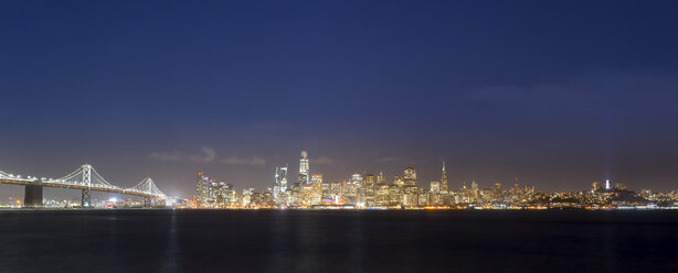 USA, California, San Francisco, Golden Gate Bridge, Skyline at night, seen from Treasure Island - MKFF00359