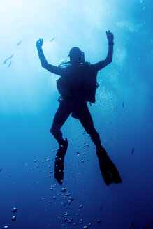 Scuba diver exploring sea - CAVF46077
