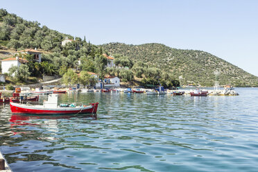 Greece, Pelion, Pagasetic Gulf, Kottes, fishing boat at harbour - MAMF00083
