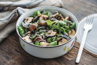 Lunch box with field salad, onions, roasted mushrooms, onions and balsamico - IPF00450