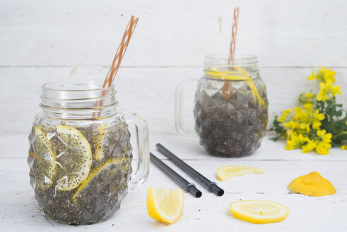 Chia drink with slices of lemon - SKCF00448