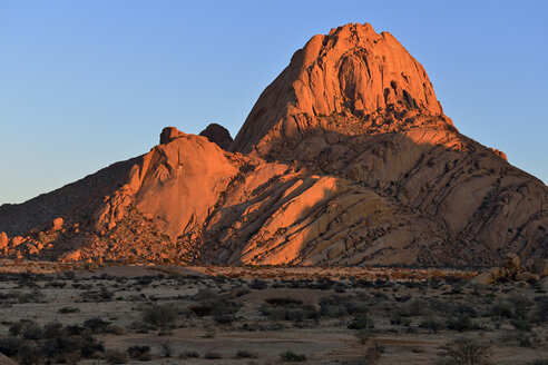 Africa, Namibia, Erongo Province, Spitzkoppe in the evening light - ESF01620