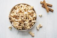 Popcorn flavoured with cinnamon and birch sugar - IPF00455