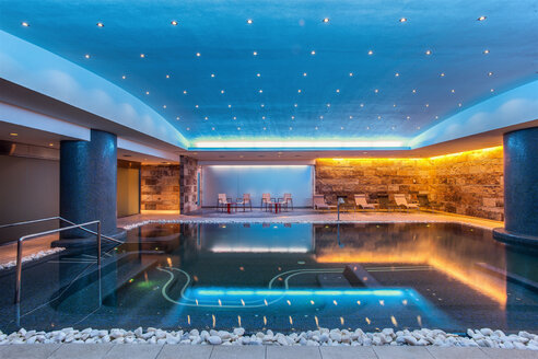 Still modern indoor pool - CUF00643