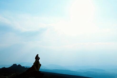 Man admiring mountain view - CUF00722