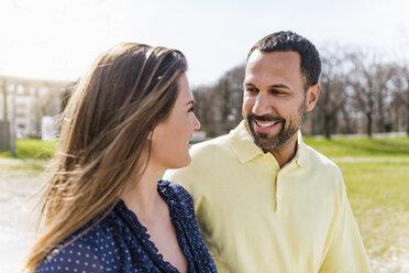 Happy couple on a walk - DIGF04149