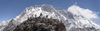 Nepal, Solo Khumbu, Everest, Group of mountaineers at Chukkung Ri - ALRF01081