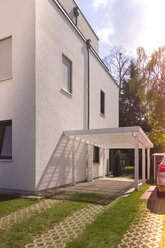 Germany, residential house with carport - CMF00806