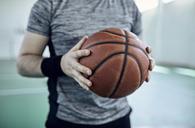 Man with basketball, indoor - ZEDF01375