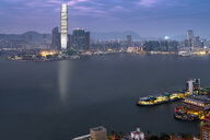 China, Hong Kong, Victoria Harbour, Kowloon in the evening - MKFF00365