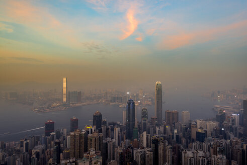 China, Hong Kong, skyline in the evening - MKFF00380