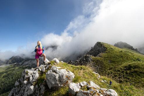 Austria, Salzburg State, Filzmoos, Female hiker - HHF05550