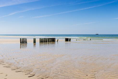 Germany, Schleswig-Holstein, Sylt, North Sea, breakwaters - EGBF00254