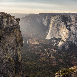 Elevated view of valley below rock formations, Yosemite National Park, California, USA - CUF07980