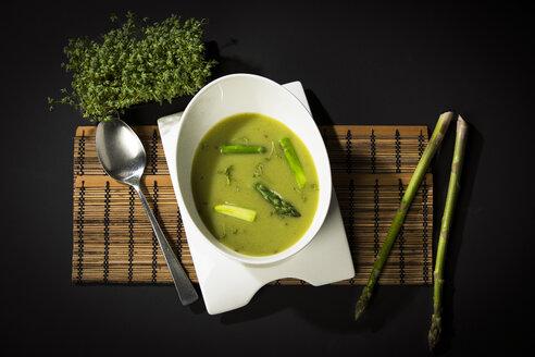 Asparagus cream soup with green asparagus - MAEF12592