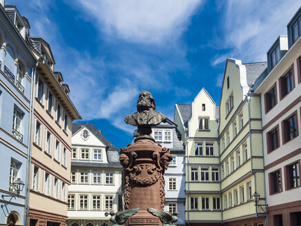 Germany, Hesse, Frankfurt, Old town, reconstructions of houses, bust of Friedrich Stoltze - AMF05746