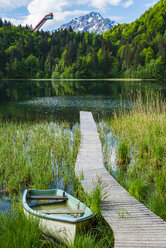 Germany, Bavaria, Allgaeu, Allgaeu Alps, Lake Freibergsee, Heini Klopfer Flying Hill in the background - WGF01187