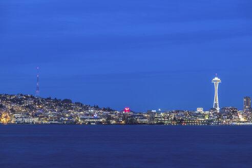 USA, Washington State, Seattle, Skyline at blue hour - MMAF00361
