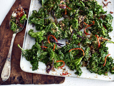 Kale, chilli and coconut side dish - CUF12640