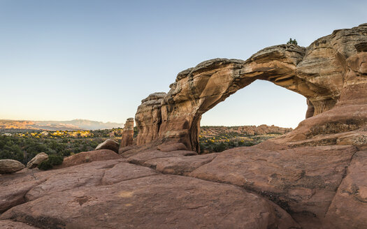 Broken Arch, Arches National Park, Moab, Utah, USA - CUF12766