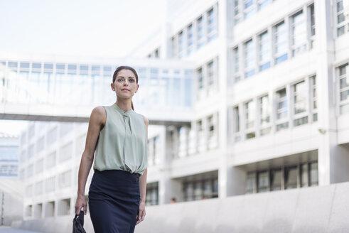 Portrait of businesswoman - DIGF04316