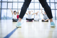 Pupils exercising in gym class - WESTF24121