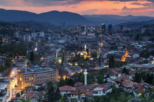 Bosnia-Herzegovina, Sarajevo, Zuta tabija in the evening - FPF00152