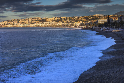France, Provence-Alpes-Cote d'Azur, Nice, City view in the morning light, beach - ABOF00371