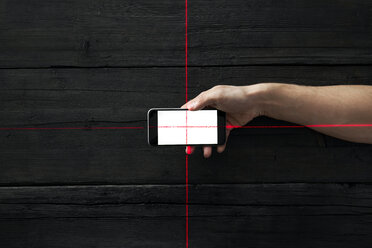 Cross of red lines on smartphone, symbol for data survellance - PDF01666