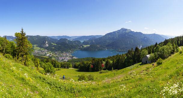 Austria, Salzburg State, Salzkammergut, St. Gilgen, Wolfgangsee, Schafberg, Zwoelferhorn cable car - WWF04224