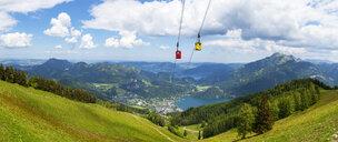 Austria, Salzburg State, Salzkammergut, St. Gilgen, Wolfgangsee, Zwoelferhorn cable car - WWF04227