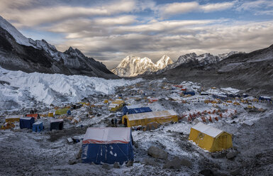 Nepal, Solo Khumbu, Everest, Sagamartha National Park, Tents at the Base camp - ALRF01265