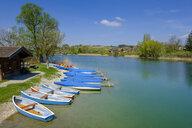 Germany, Bavaria, Upper Bavaria, Chiemgau, Rupertiwinkel, Waginger See, Tachinger See near Tettenhausen, boat rental - LBF01964