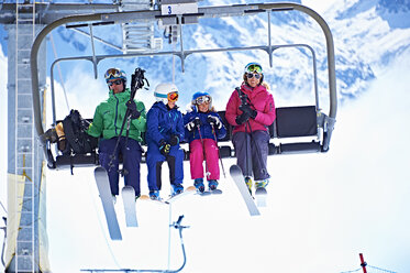 Family on ski lift, Chamonix, France - CUF31237