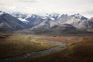 USA, Alaska, Denali National Park, Alaska Range in autumn - CVF00822