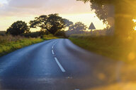Winding country road - CUF32376