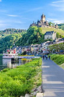 Germany, Rhineland-Palatinate, Cochem, Cochem Castle in Mosel valley - MH00435