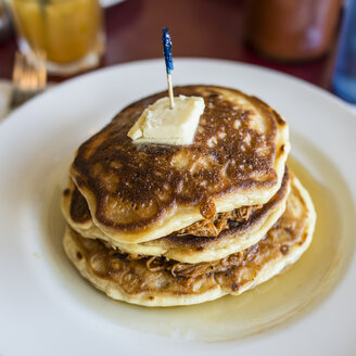 Pulled pork buttermilk pancakes with jack daniels maple syrup - ISF10702