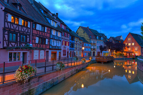 France, Alsace, Colmar, Old town, Petite Venise in the evening - KLRF00599