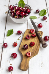 Sliced and whole cherries - SARF03797