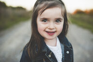 Portrait of young girl, outdoors - ISF14363