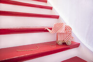 Stairs with origami elefant - PSTF00126