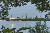 Germany, Hamburg, Outer Alster Lake with view to the city - KEBF00828