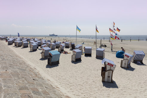 Germany, Lower Saxony, East Frisia, Norderney, beach - WI03536