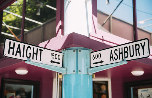 USA, San Francisco Haight and Ashbury streets intersection - GEMF02092