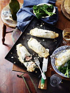Salmon spinach filo pies, broccolini and wine - CUF35628