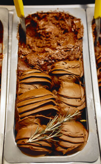 Chocolate icecream with herbs - BZF00406