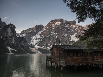 taly, South Tyrol, Dolomites, Lago di Braies, Fanes-Sennes-Prags Nature Park in the morning light - MADF01401